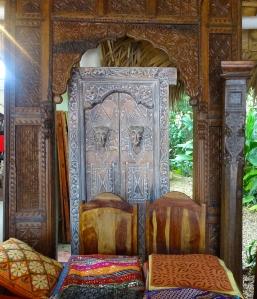Belle porte intérieure d'inspiration Papouasie