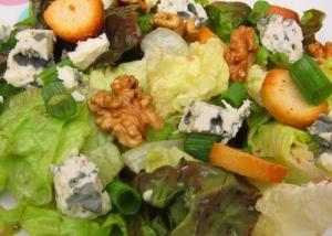Fraîche et savoureuse, une salade composée comme on les aime