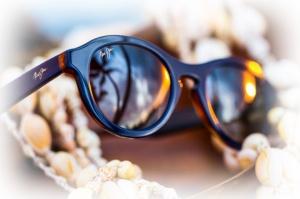 De superbes lunettes griffées de grands marques internationales dans ce beau magasin d'optique oùu Maurizio ou Elisabeta vous accueille avec gentillesse et professionnalisme.