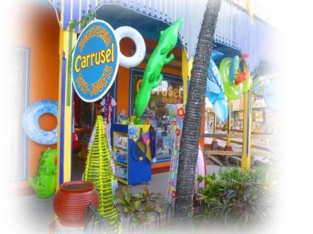 Sabrina, la jolie fée vous attend dans son petit cocon tapissé de jeux et jouets ravissants. Carrusel, Plaza Linda.